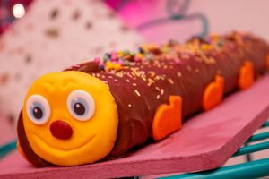 "18"" Inch Caterpillar Cake for £12"